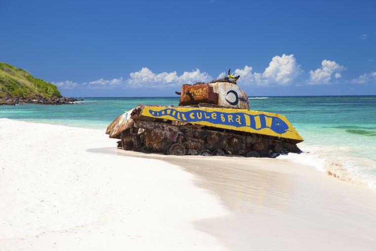 Tank di Pantai Flamenco di Culebra