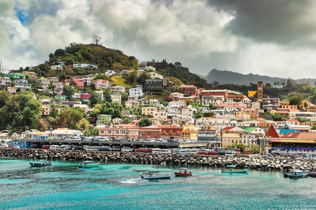 Grenada yang penuh warna